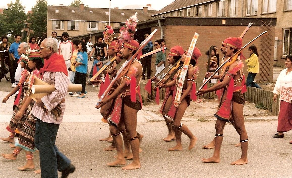 10. processie naar stichting