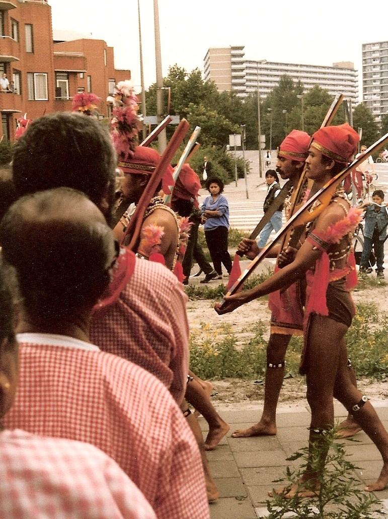 5. processie naar stichting